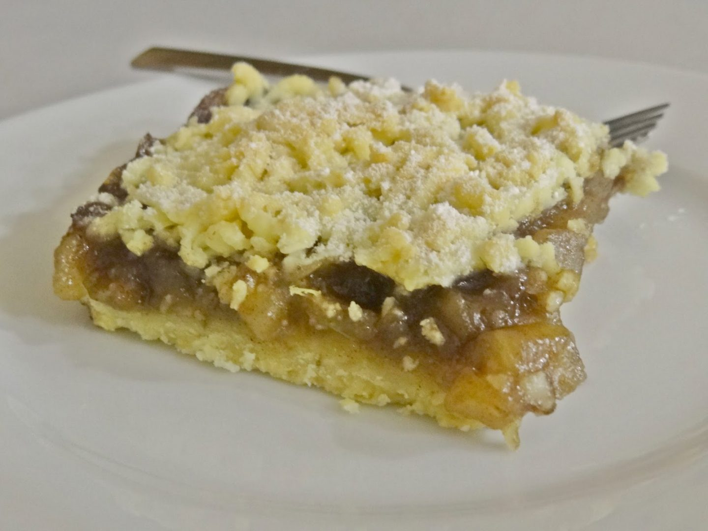 Cinamon Scented Crumble Apple Pie